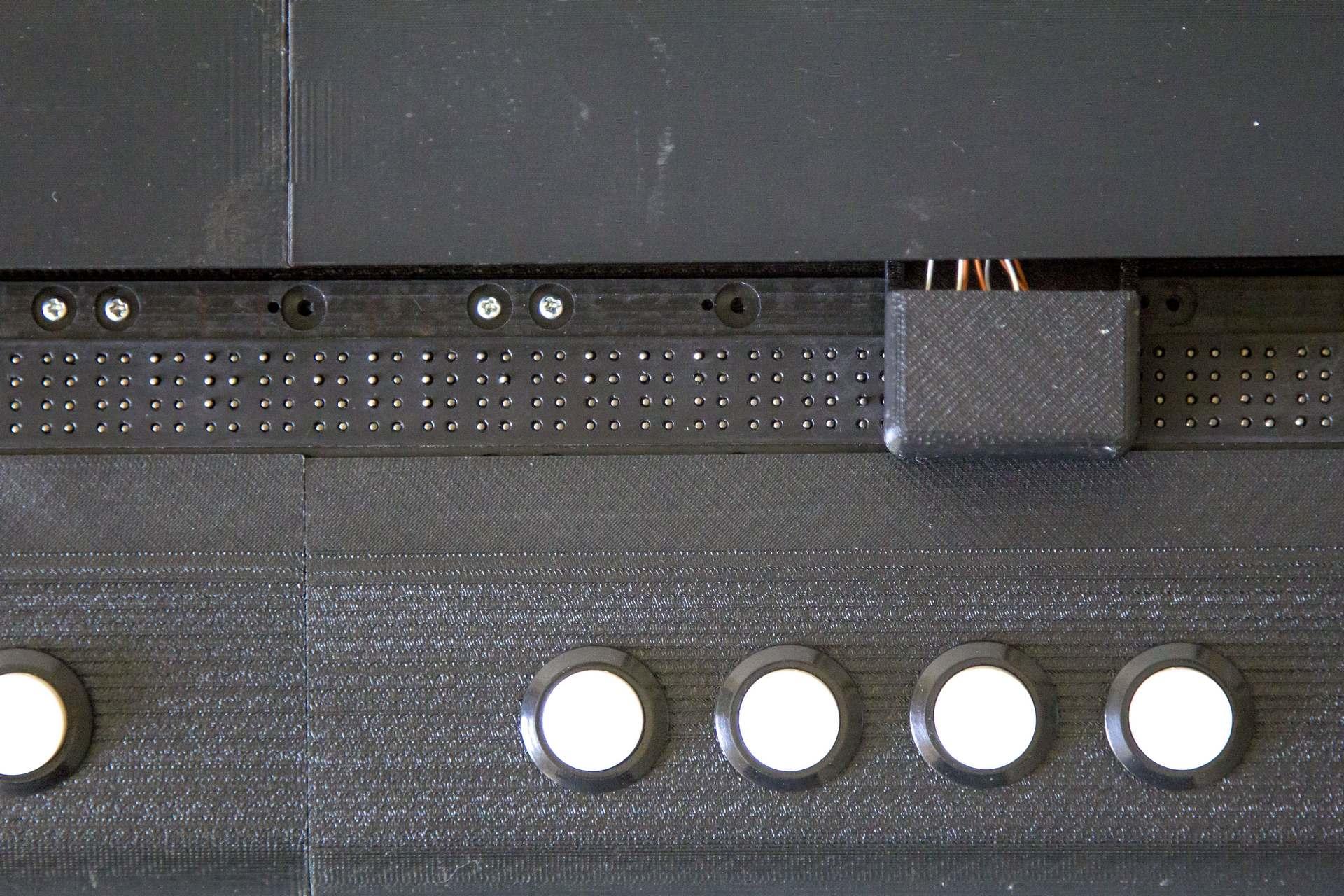 BrailleLab029
